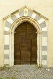 Puerta de entrada de piedra en la abadía de Croce del alla de Santa María, Tiglieto, I Imágenes de archivo libres de regalías