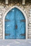 Puerta de entrada de la turquesa en el estilo medieval Imagenes de archivo