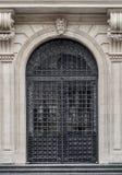 Puerta de entrada del hierro labrado Fotos de archivo libres de regalías