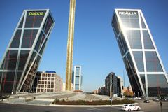 Puerta DE Europa in Madrid, Spanje Royalty-vrije Stock Fotografie