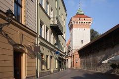 Puerta de Florianska en la ciudad vieja de Kraków Foto de archivo