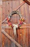 Puerta de granero del otoño Imágenes de archivo libres de regalías
