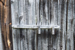 Puerta de granero resistida vieja Foto de archivo