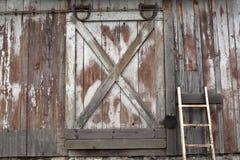 Puerta de granero vieja Imágenes de archivo libres de regalías