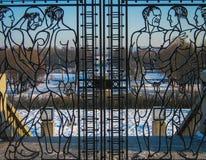 Puerta de hombres desnudos Fotos de archivo libres de regalías