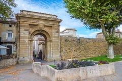 Puerta de Jacobins a la ciudad de Carcasona - Francia Foto de archivo libre de regalías