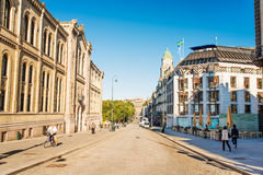 Puerta de Karl Johans de la calle principal de Oslo Foto de archivo libre de regalías