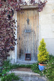 Puerta de la cabaña Imagenes de archivo