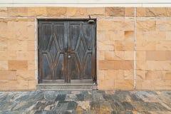 Puerta de la casa vieja Imágenes de archivo libres de regalías