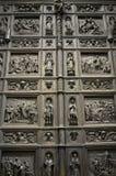 Puerta de la catedral del St. Isaac Fotografía de archivo libre de regalías