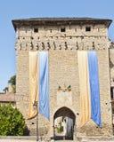 Puerta de la ciudad en Cremieu Francia imágenes de archivo libres de regalías