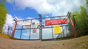 Puerta de la emergencia almacen de metraje de vídeo