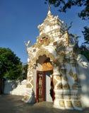 Puerta de la entrada del templo de Chedi Luang Imagenes de archivo