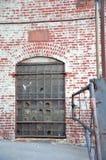Puerta de la fábrica imagen de archivo libre de regalías
