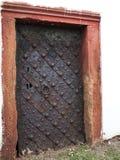 Puerta de la iglesia católica del vintage Imagenes de archivo