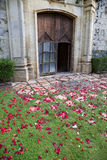 Puerta de la iglesia de la boda Imagen de archivo libre de regalías