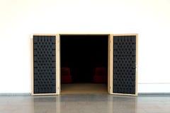 Puerta de la sala de conferencias Imágenes de archivo libres de regalías