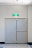 Puerta de la salida de socorro Foto de archivo libre de regalías