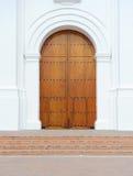 Puerta de madera agradable de la iglesia de Colombia Imagen de archivo