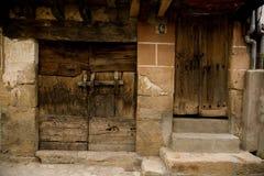 Puerta de madera antigua Fotografía de archivo libre de regalías