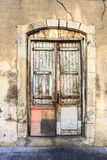 Puerta de madera antigua en ciudad vieja Limassol chipre Imagen de archivo libre de regalías