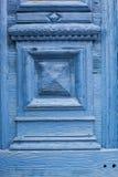 puerta de madera azul Imagen de archivo libre de regalías