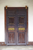 Puerta de madera china vieja Imagenes de archivo
