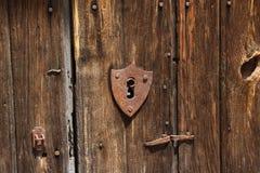 Puerta de madera con el bloqueo Imagen de archivo libre de regalías