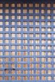 Puerta de madera con las barras de metal Fotografía de archivo