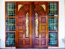 Puerta de madera de los artes Fotografía de archivo libre de regalías