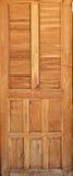 Puerta de madera en casa tailandesa Imagen de archivo