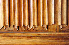 Puerta de madera tallada, imitación de un tejido Imagenes de archivo