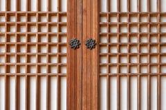 Puerta de madera tradicional de Corea Fotos de archivo