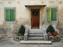 Puerta de madera, ventanas fotografía de archivo libre de regalías
