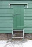 Puerta de madera verde Imagen de archivo libre de regalías