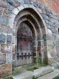 Puerta de madera vieja bloqueada Fotografía de archivo libre de regalías