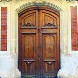 Puerta de madera vieja en Valencia, España Foto de archivo libre de regalías