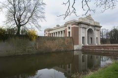 Puerta de Menin en Ypres, Ieper, Bélgica. imagen de archivo libre de regalías