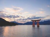 Puerta de Miyajima Hiroshima de la atracción L de Japón de la capilla de Itsukushima imágenes de archivo libres de regalías