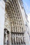 Puerta de Notre Dame Cathedral fotos de archivo