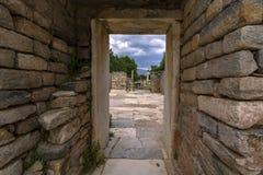 Puerta de piedra fotos de archivo