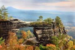 Puerta de piedra natural Fotos de archivo