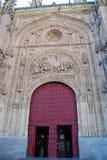 Puerta de Salamanca de la catedral foto de archivo libre de regalías