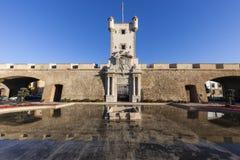 Puerta de Tierra i Cadiz arkivbilder