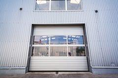 Puerta de un pasillo industrial Imagen de archivo libre de regalías