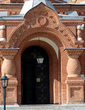 Puerta de un templo imagen de archivo