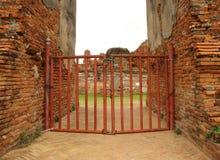 Puerta de Wat Mahathat Temple Fotos de archivo libres de regalías