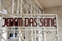 Puerta del campo de concentración de Buchenwald imágenes de archivo libres de regalías