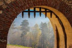 Puerta del castillo de Rasnov imágenes de archivo libres de regalías