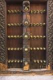 Puerta del edificio en la ciudad de piedra, Zanzíbar imagen de archivo libre de regalías